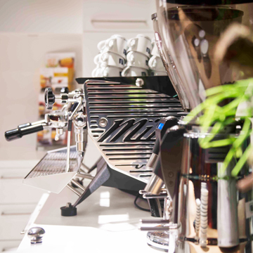 maxon motor: Koffie als smeerolie van het bedrijfsleven